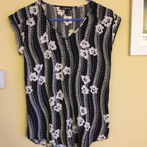 Tops - XS Express Top Worn once!!